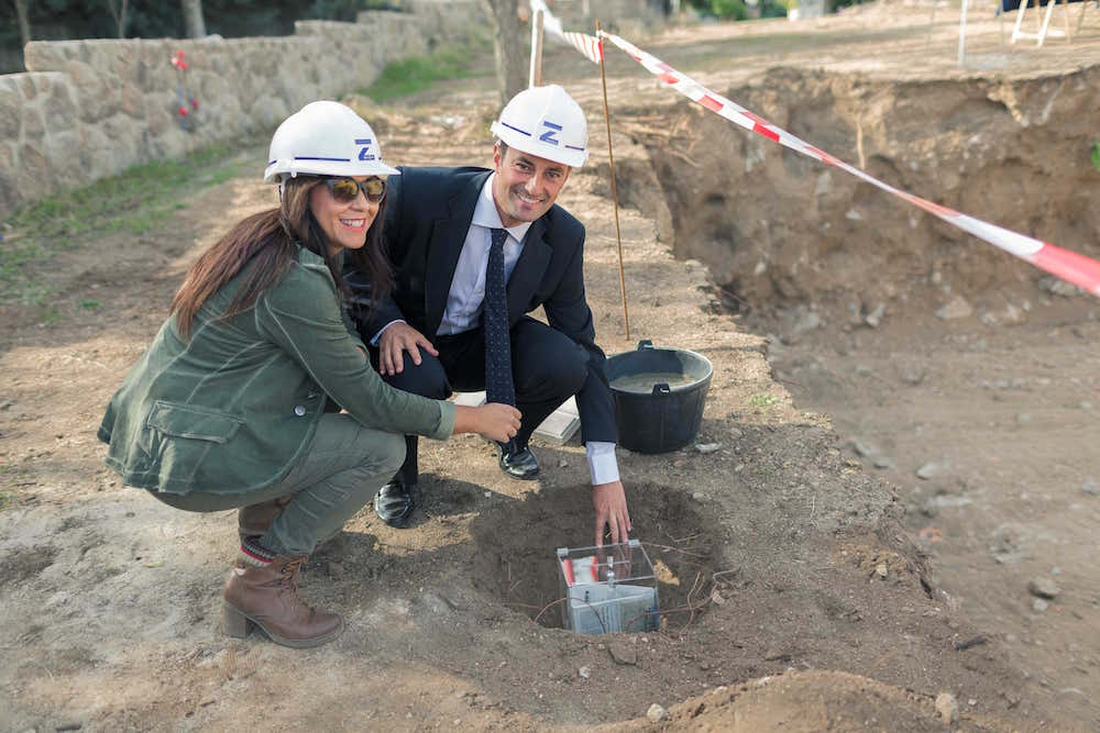MAZA Grupo Primer piedra vivienda unifamiliar propietarios