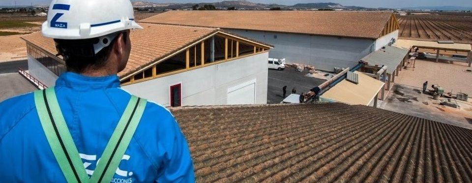 Panorámica cubiertas de teja cerámica en Bodegas Barahonda, instaladas por MAZA Grupo