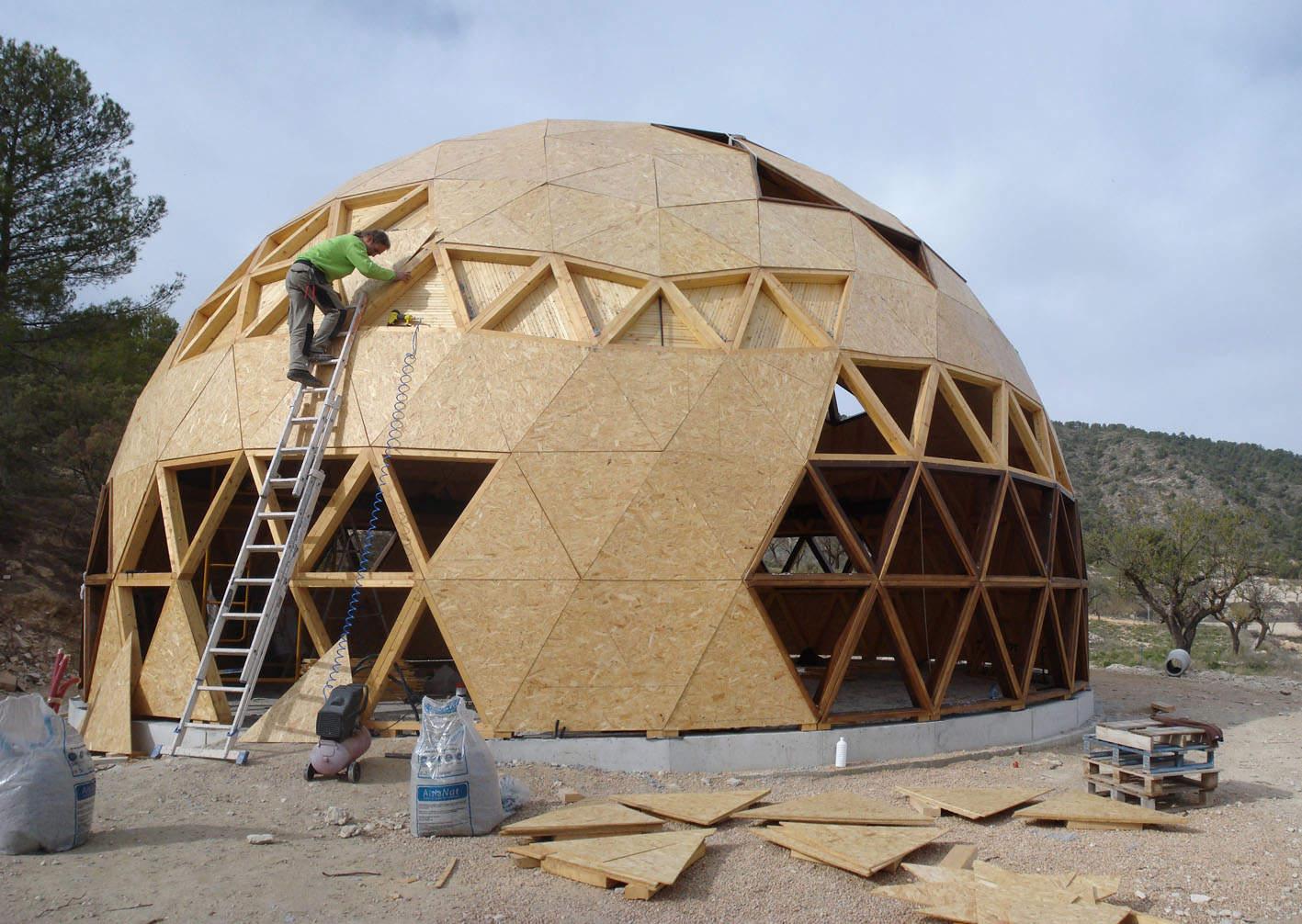 construccion innovadora de cupula geodesica