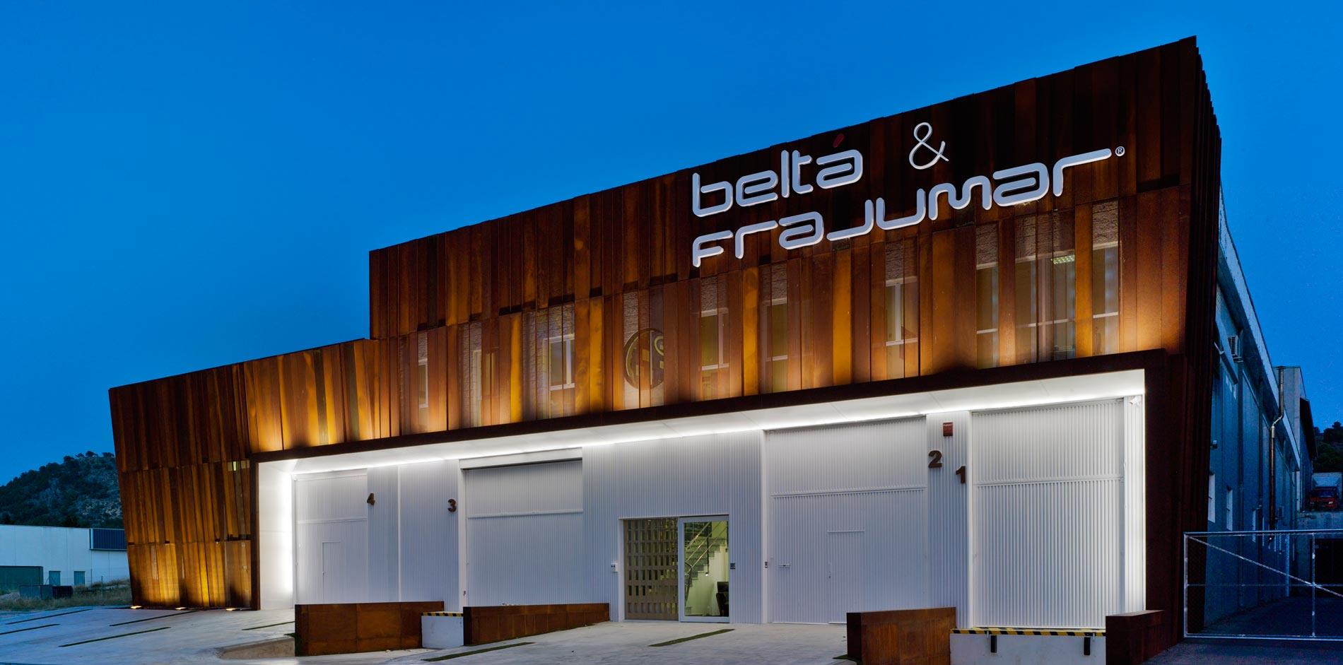 construcción y diseño de fachada belta frajumar